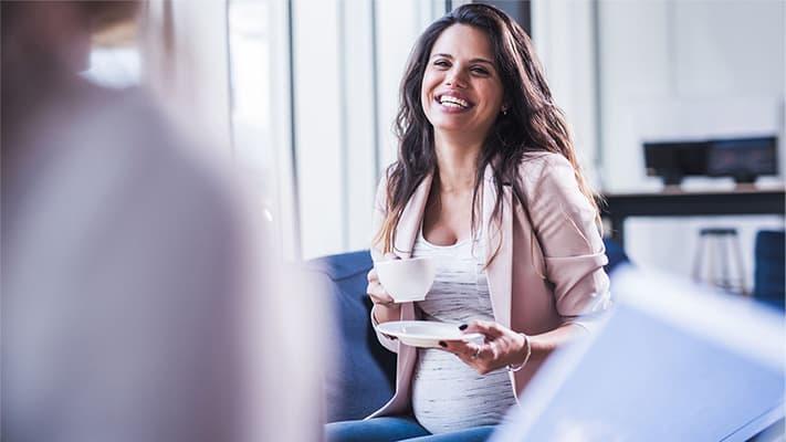Saiba se a grávida pode tomar café na gestação e na amamentação