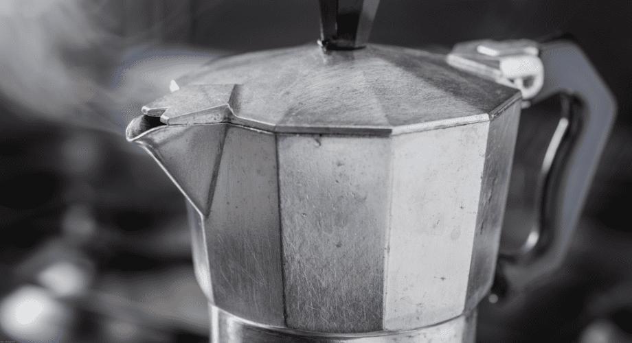 como fazer café na cafeteira italiana